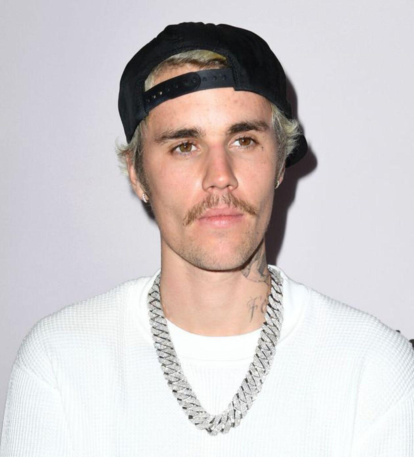 """Justin Bieber s'offre une remix de """"Peaches"""" avec Ludacris Usher et Snoop Dogg"""