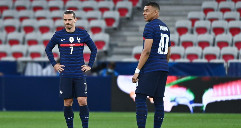 Griezmann et Mbappé coup de pied arrêté