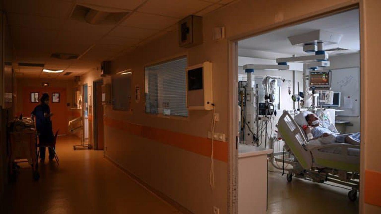 COVID-19: le nombre de patients en réanimation passe sous la barre des 5000