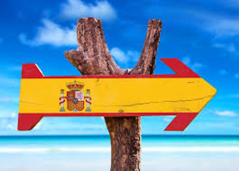"""[ TOURISME ] L'Etat appelle les Français à """"éviter l'Espagne ou le Portugal"""" pour les vacances"""