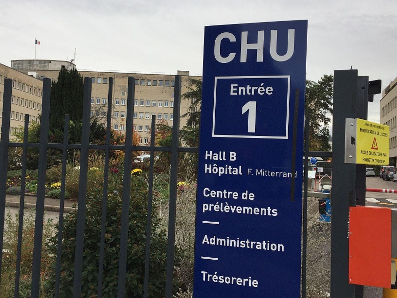 La direction du CHU ré autorise depuis ce jeudi les visites auprès des patients hospitalisés