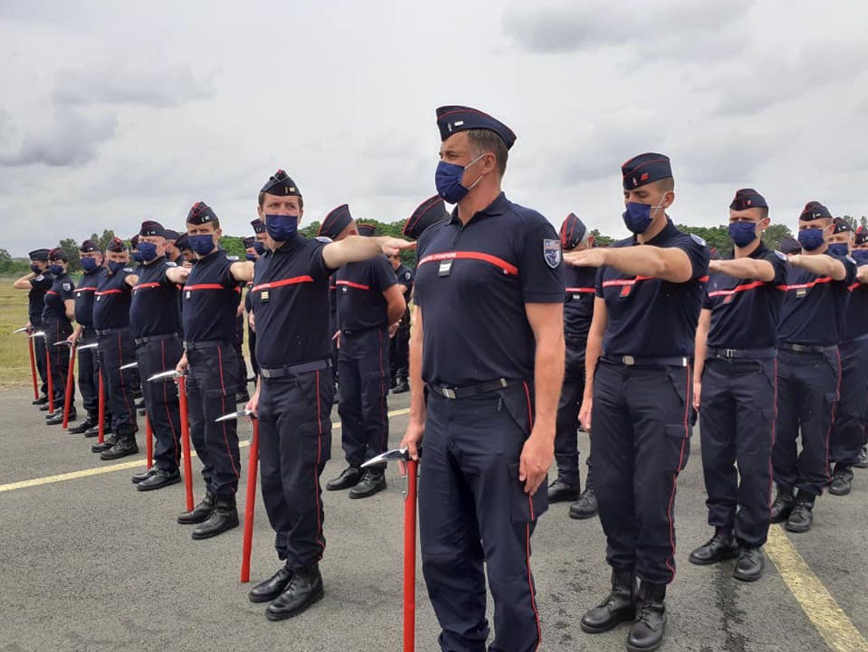Défilé de pompiers sur les Champs-Elysées - entraînement