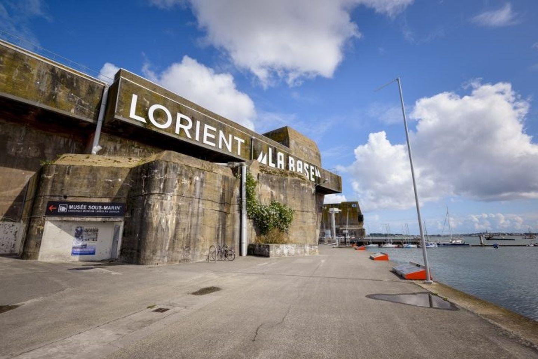 La base de sous marins à Lorient.