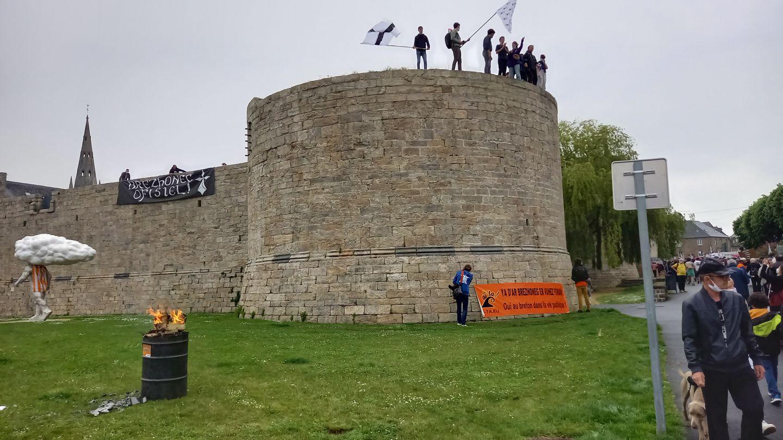 Environ 10 000 personnes pour défendre la culture bretonne !
