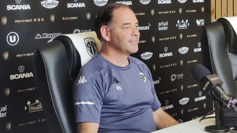 Stéphane Moulin détendu qui s'est présenté pour sa dernière conférence de presse d'avant-match.
