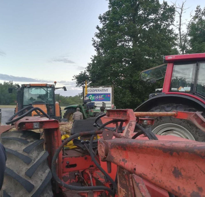 Manifestation d'agriculteurs à la Chevrolière