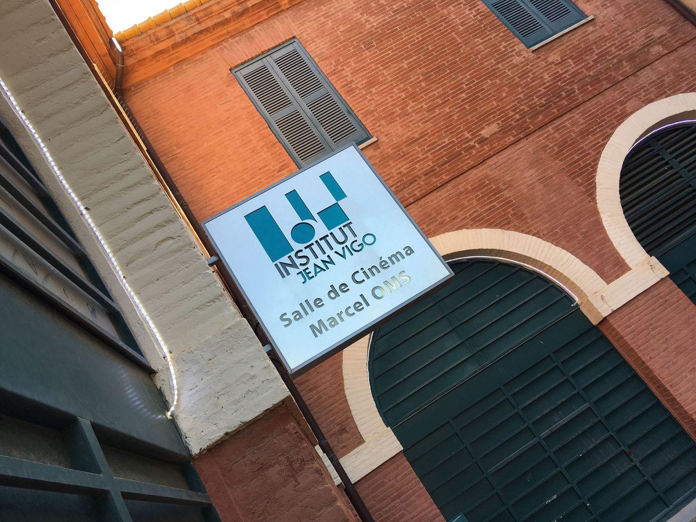 L'entrée de l'Institut Jean Vigo