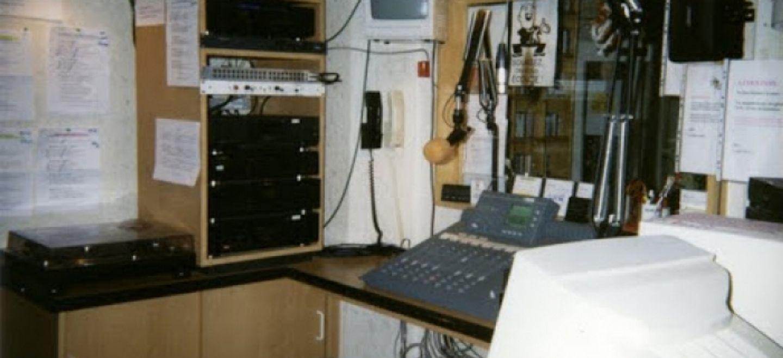 Les studios EST FM en 1999