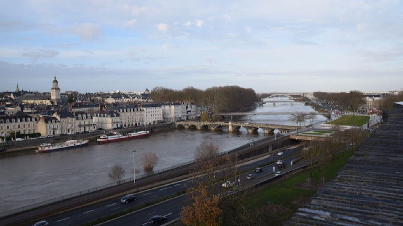 Maine-et-Loire : la préfecture interdit de manifester sur les voies...