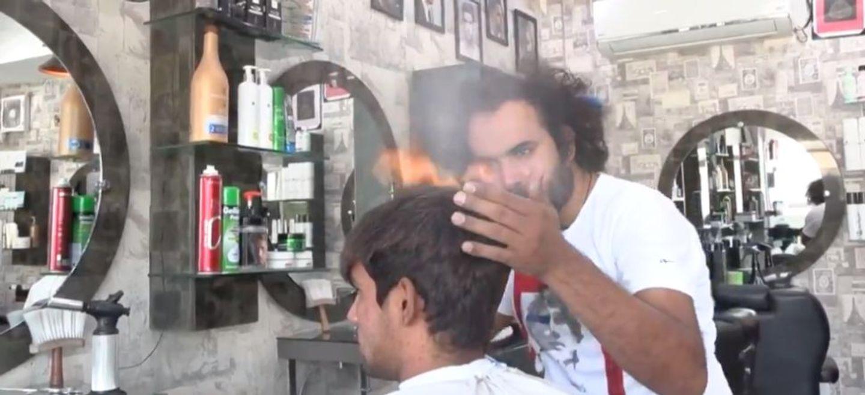 Chalumeau ou hachoir ? Ce coiffeur dévoile sa technique pour couper...