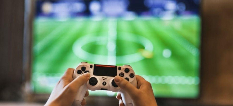 FIFA 21 : le célèbre jeu vidéo bientôt déconseillé aux mineurs ?