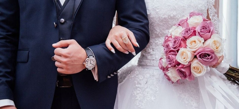 Elle décide de se venger de son ex en organisant un faux mariage...