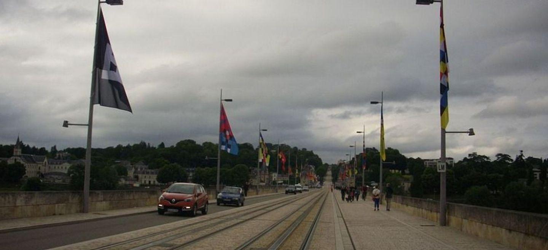 Tours : travaux sur le pont Napoléon, le pont Wilson rouvert aux...