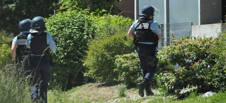 Mort de l'homme qui a poignardé une policière municipale près de...