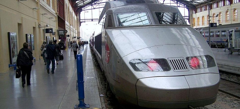 Un TGV visé par un tir d'arme à feu à son entrée à Marseille