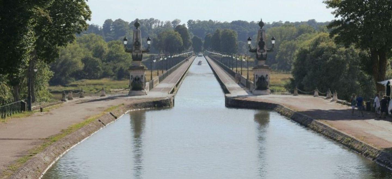 Loiret : le pont-canal de Briare en lice pour le Monument préféré...