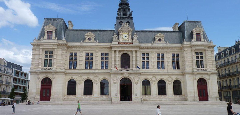 Poitiers : 15 jours de prison avec sursis pour avoir déchiré le...