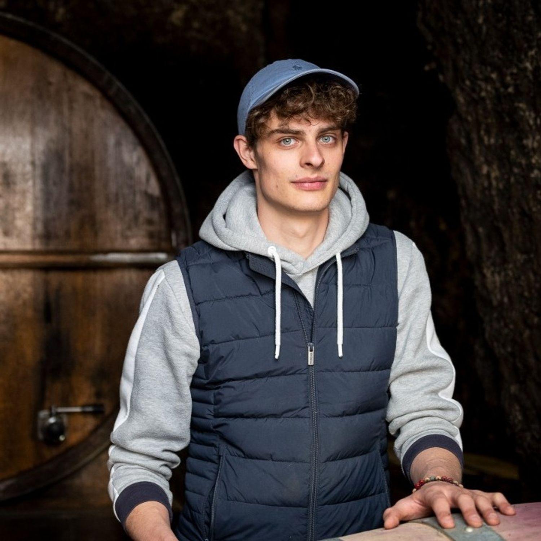 Indre-et-Loire : le TikTokeur le.vigneron sort son premier livre...