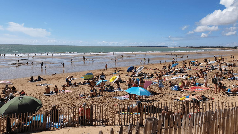 Les plages prises d'assaut par les vacanciers