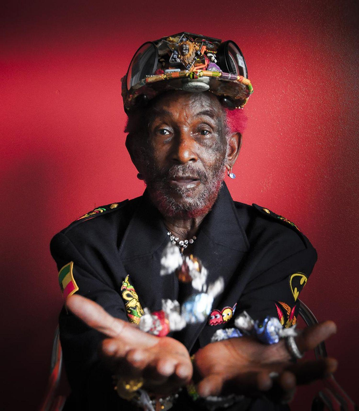 "mort de la légende du reggae Lee ""Scratch"" Perry"