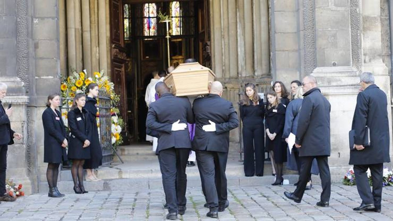 [ HOMMAGE ]: Une messe en mémoire de Bernard Tapie a été célébrée à Paris ce matin