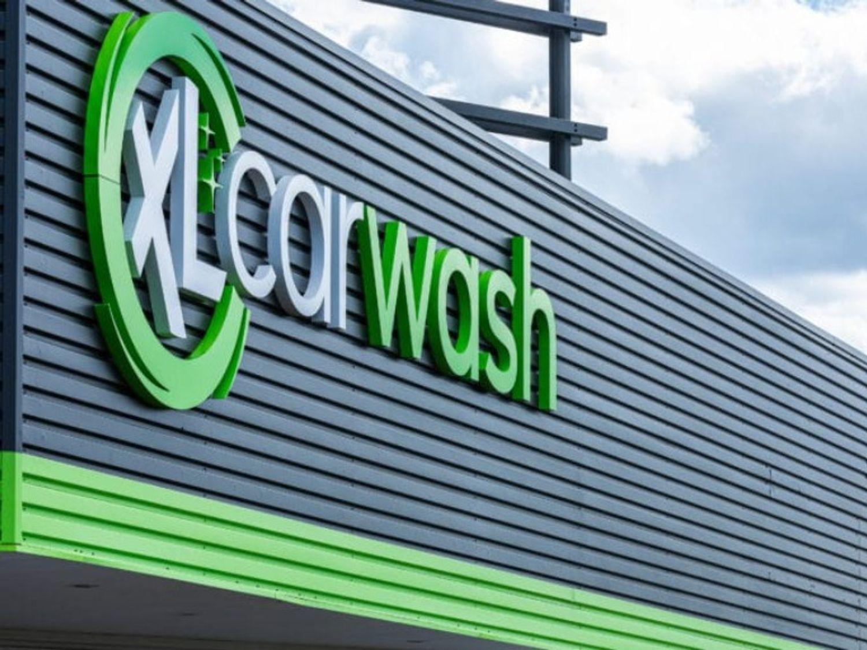 XL CAR WASH vous offre un lavage XXL de votre véhicule