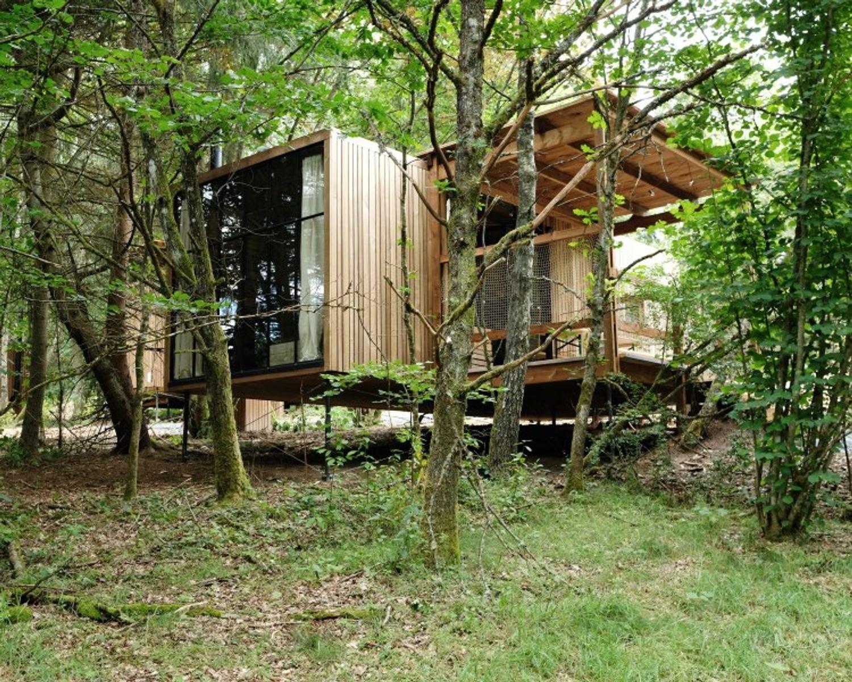 Cabane Nutchel plaine village forêt