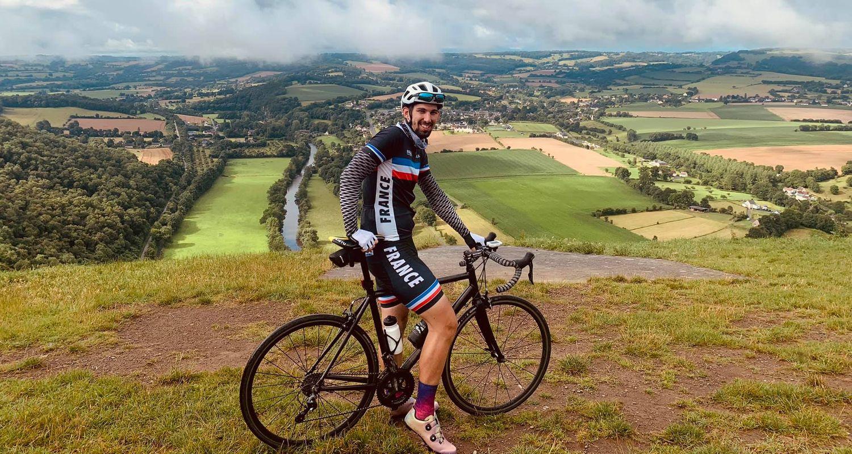 Alexis Malherbe profite des paysages normands quand il roule.