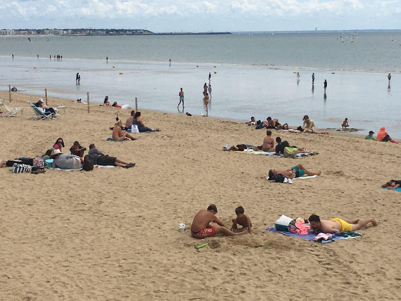 Les estivants sur la plage de La Baule