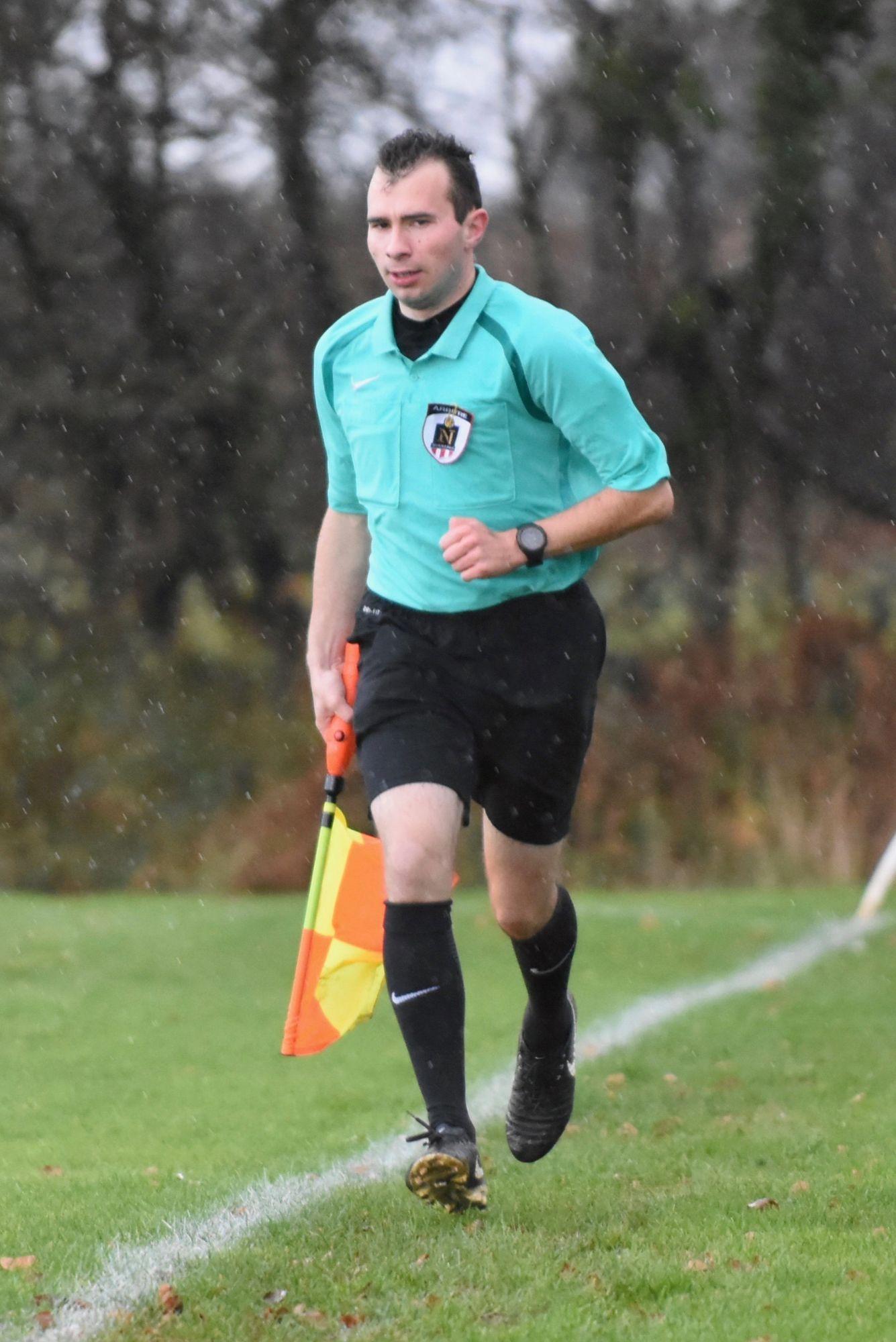 Florian Sénéchal est arbitre de foot depuis environ dix ans