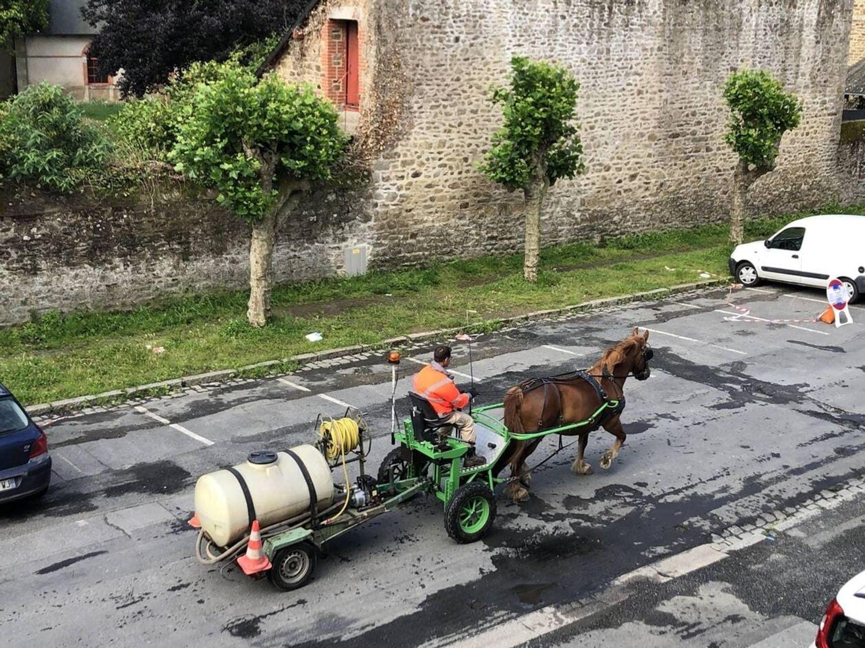 L'équipe en action dans les rues de Lamballe