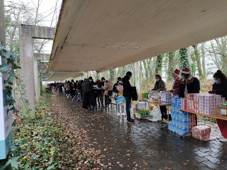 De nombreux étudiants s'étaient déplacés lors d'une distribution en décembre 2020.