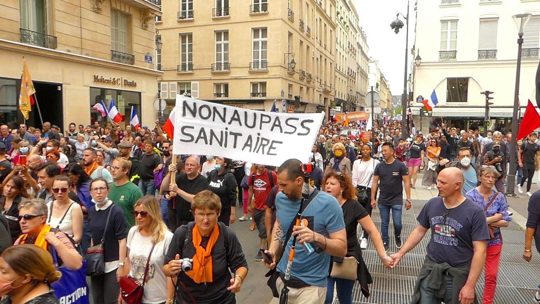 Manifestation contre le pass sanitaire à Paris