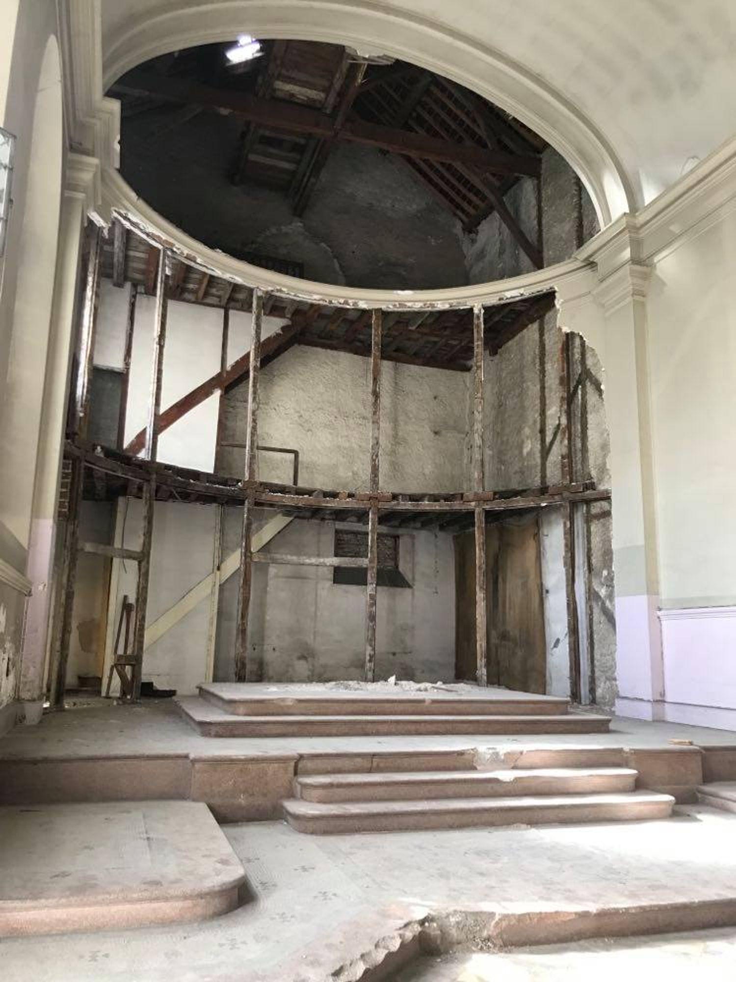 Le théâtre sera composé de 400 places, 250 au rez-de-chaussée et 150 à l'étage.