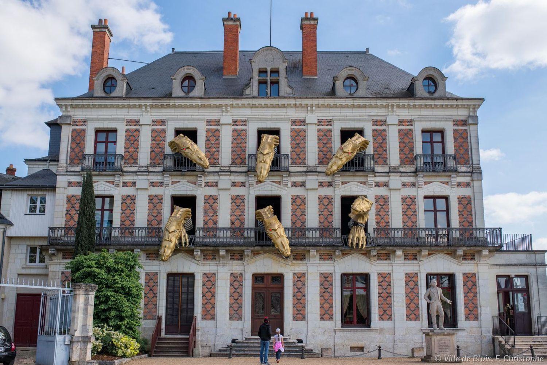 L'un des plus grands magiciens de tous les temps, Jean-Eugène Robert-Houdin est né à Blois.