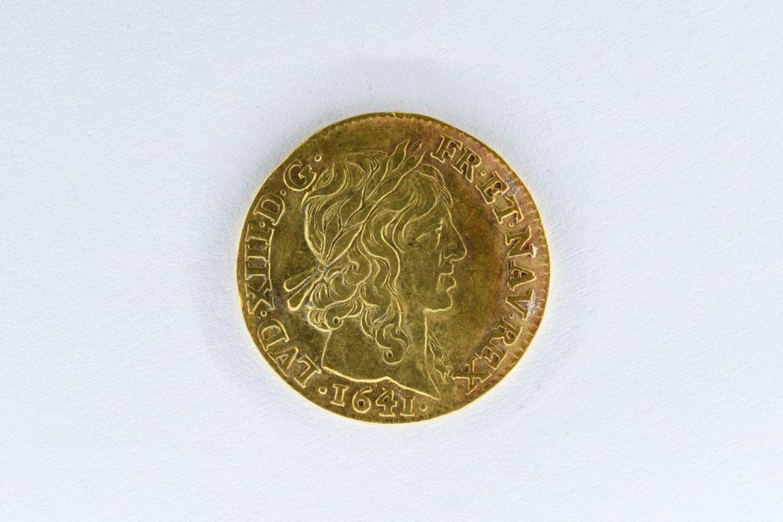 Un Louis d'or de 1641 qui sera mis en vente aux enchères à Angers le 29 septembre prochain.