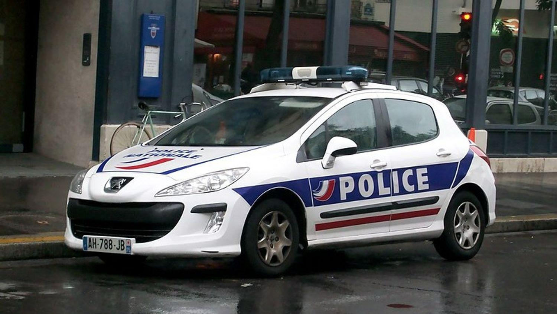 Paris : un homme armé arrêté près d'une église et placé en garde à vue