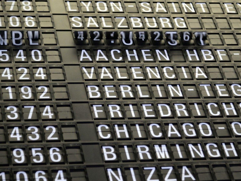 tableau d'affichage aéroport voyage