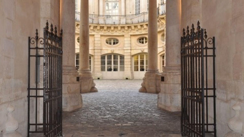 Paris 2024 : la justice suspend la construction d'une piscine d'entraînement à Aubervilliers