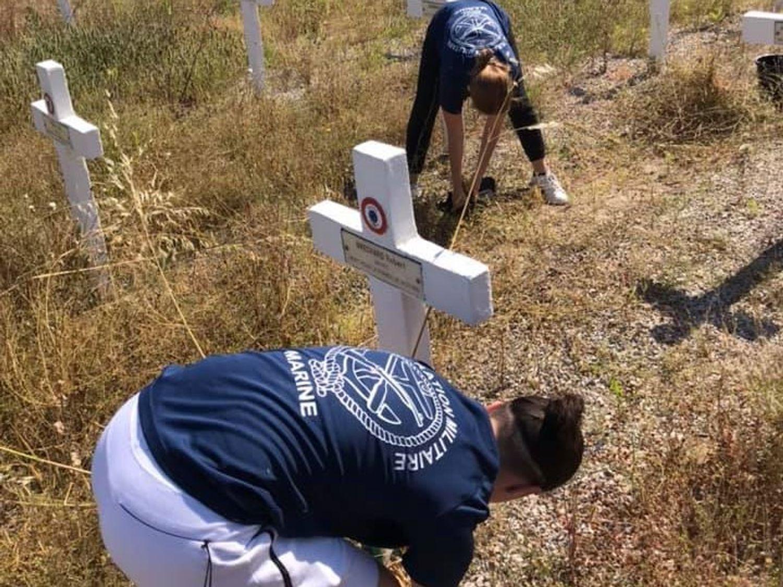 photo de l'action bénévole sur le cimetière