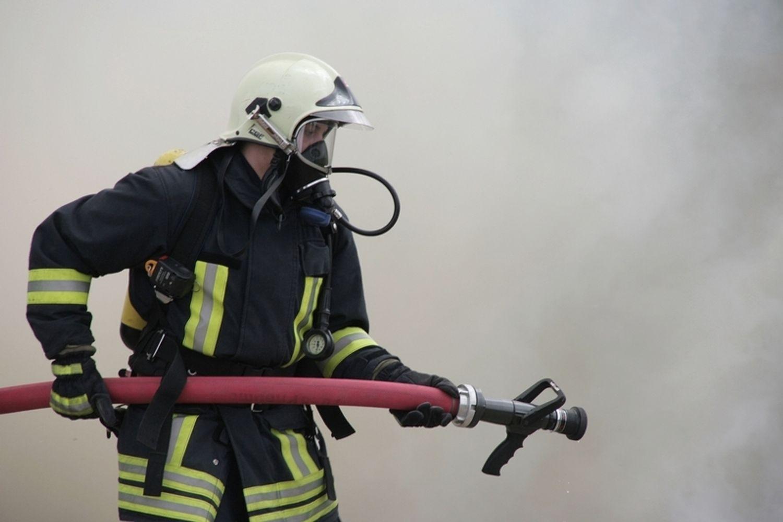Leubringhen :  un incendie a détruit des centaines de ballots de...