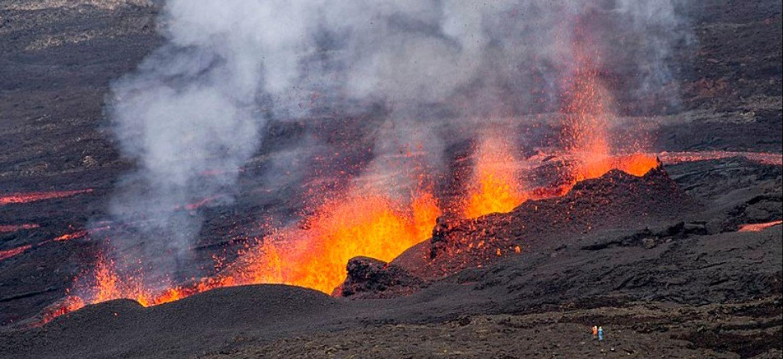 Les gaz dégagés par la lave devraient rester en altitude
