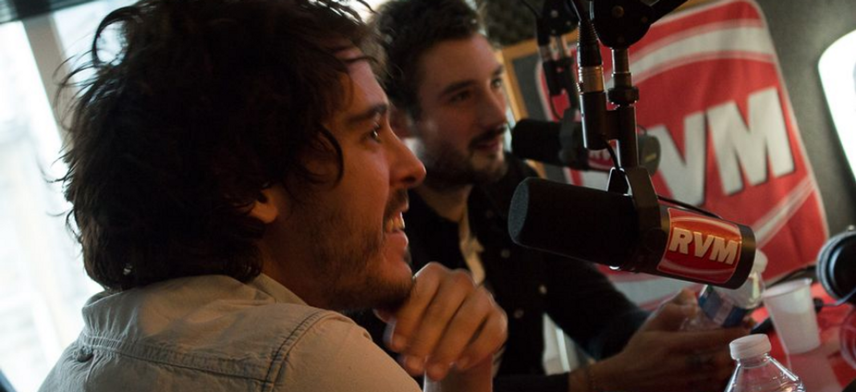 Les Fréro Delavega dans les studios RVM
