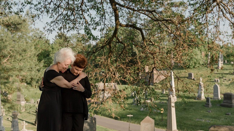 """Le deuil après un suicide: """"Alinéa"""" apporte des réponses"""