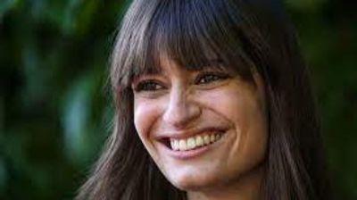 [ MUSIQUE ] Clara Luciani sort son nouvel album festif pour l'été