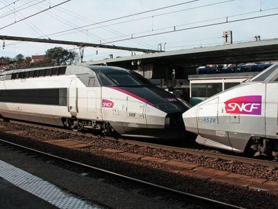 """Paris-Agen : le trafic des trains à l'arrêt, après un """"effondrement"""""""