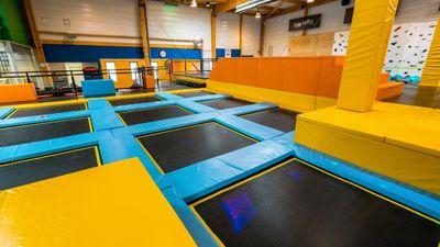 Venez sauter, jumper, vous amuser sur 1000m2 de trampolines  à Ahuy!