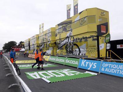 Le Tour de France : contre-la-montre sous surveillance et haute...