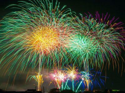 Les feux d'artifice vont illuminer le ciel cet été , notamment le...