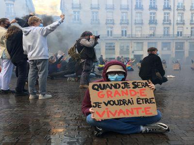 La jeunesse se mobilise pour le climat, place Royale